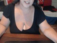 Nu live hete webcamsex met Hollandse amateur  hotsindy?